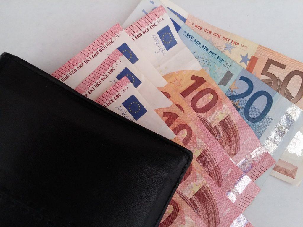 Mindestlöhne steigen ab 2021 schrittweise – Arbeitsverträge überprüfen